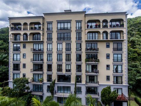 en venta elegante penthouse en residencial acropolis escazu