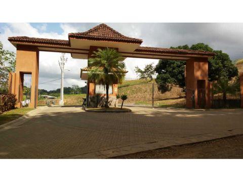 precioso terreno en el condominio villa leona mb