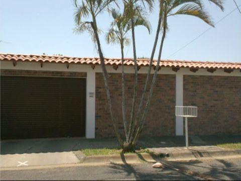 casa 1 planta en alajuela centro urbanizacion la trinidad