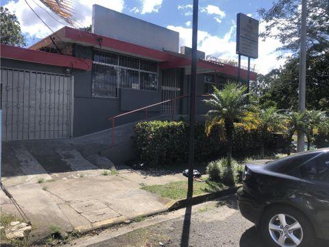 venta de casa frente a calle comercial actual clinica de odontologia