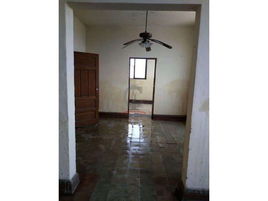 casa con uso de suelo comercial
