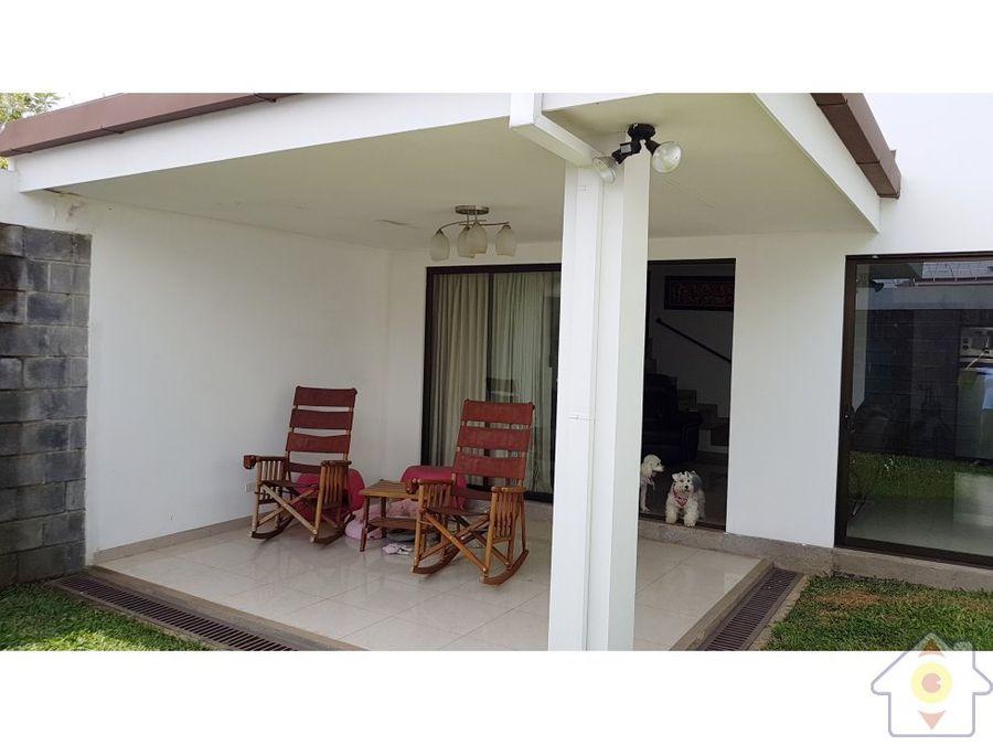 casa espaciosa con buen patio en barva de heredia