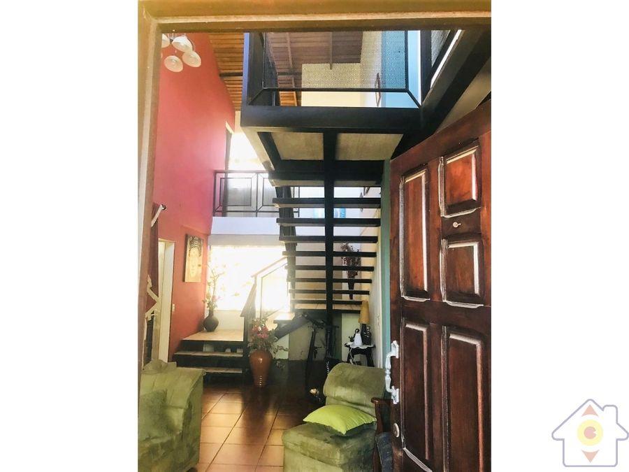 amplia casa en cartago pequeno apartamento
