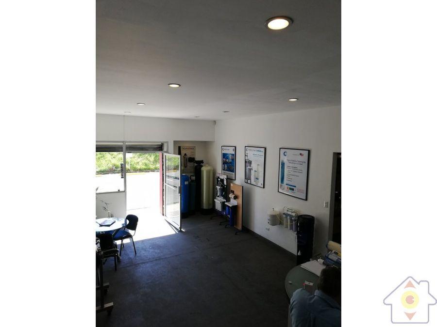 169 m2 oficina y 386 m2 bodega radial santa ana