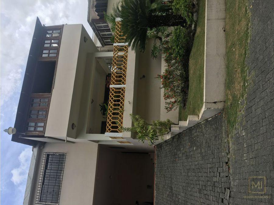 casa 2 niveles ah 345 mts