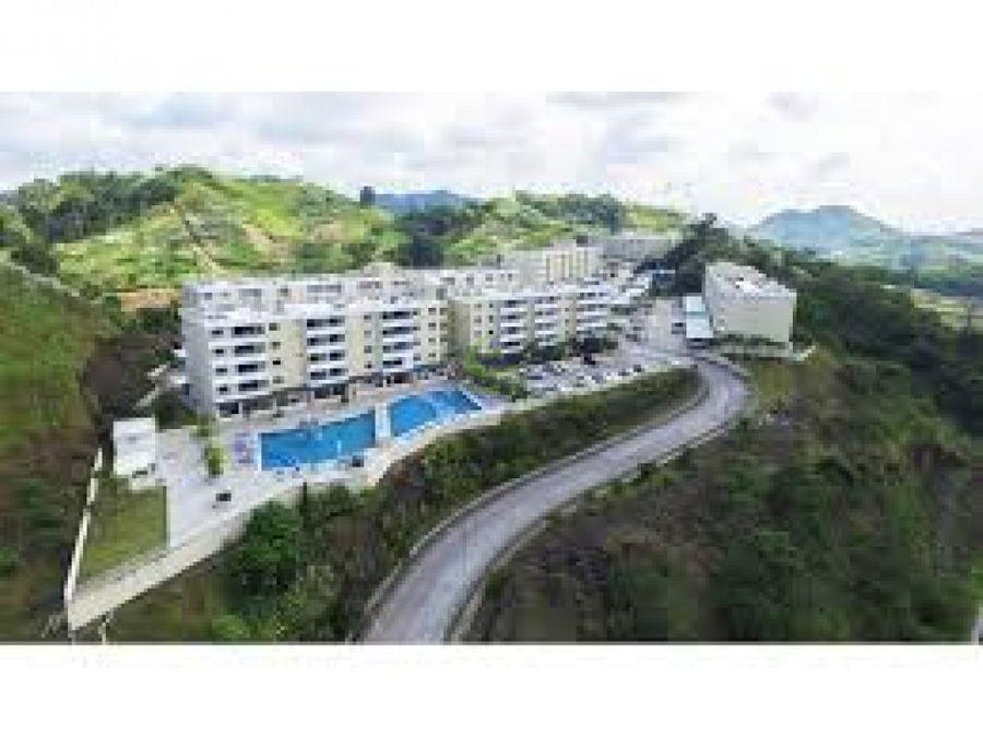 se vende apartamento en altamira gardens gtb