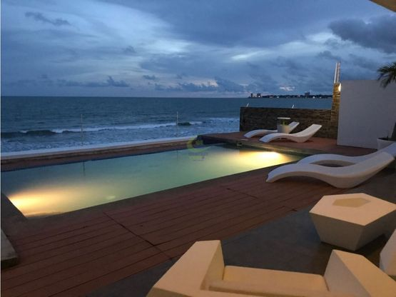 se vende hermosa casa de playa frente al mar gtb