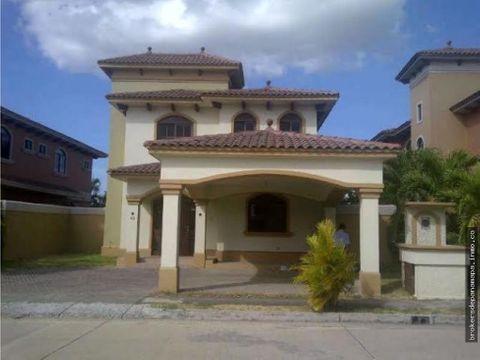 hermosa casa en venta en costa sur rqm 20 853