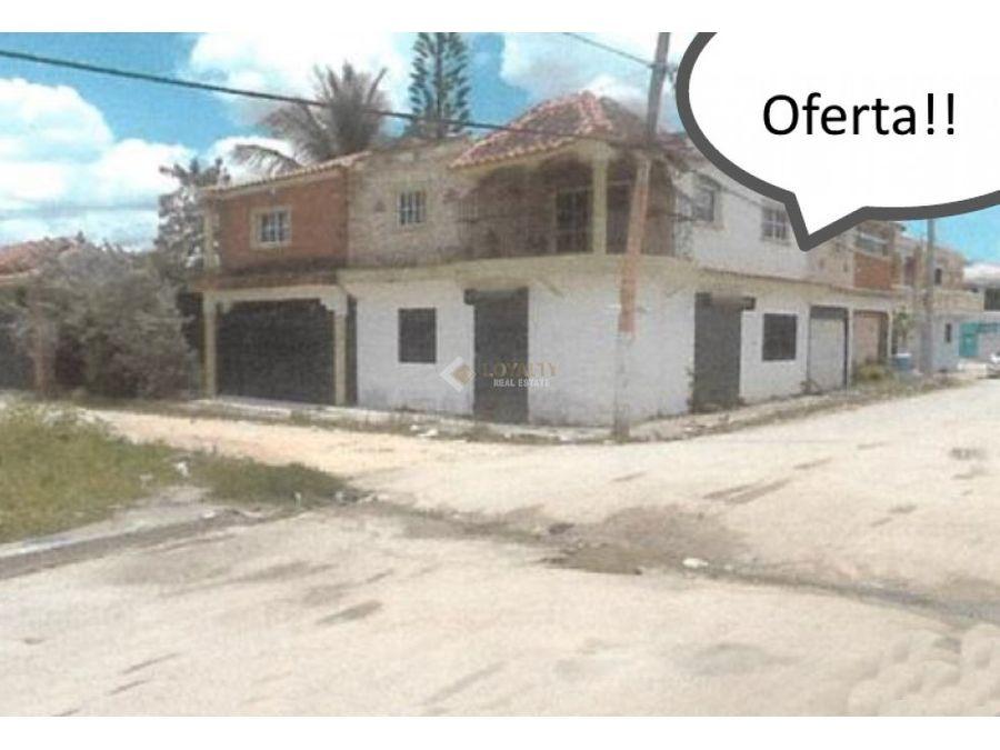 lhs 031 11 18 vendo amplia casa en higuey