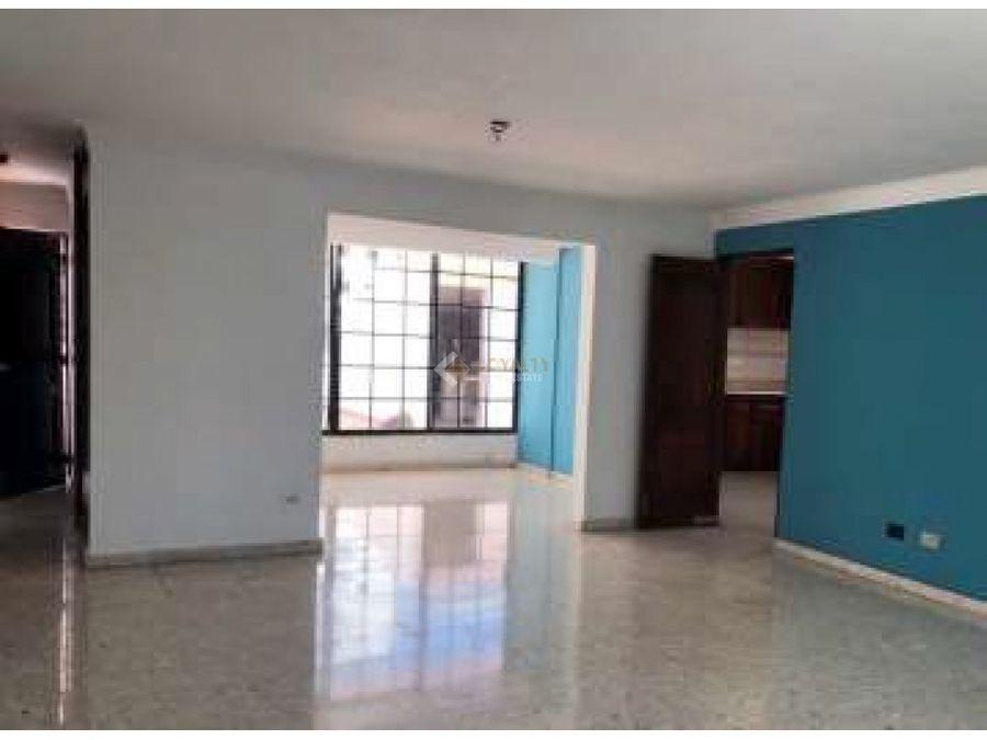 las 004 12 18 vendo amplio apartamento en naco