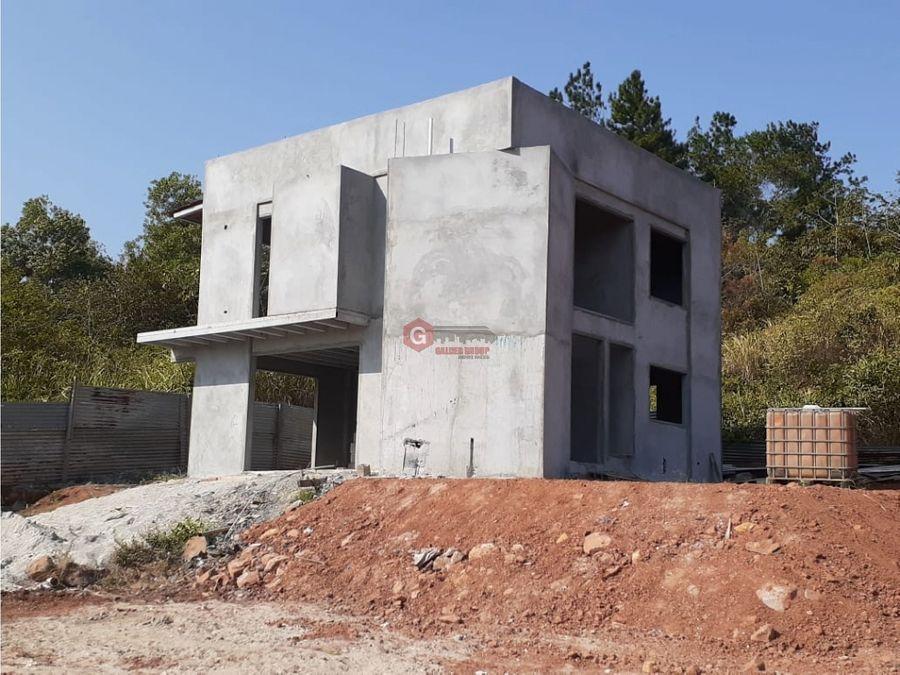 proyecto aprobado en playa leona 16 casas