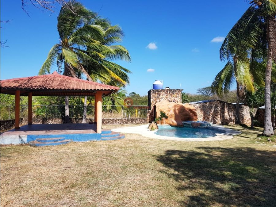 chame casa con piscina 1800m2 negociable