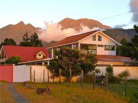 casa en volcan chiriqui 3hab 2bans 3est 600m2