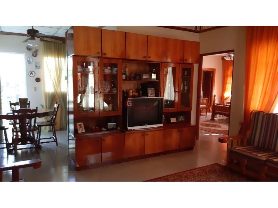 casa en venta penonome barriada villa cumbrera 1 600 m2