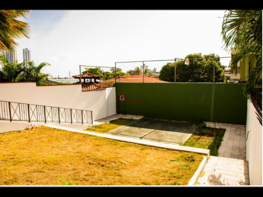 se vende casa de 3 pisos hato pintado 5 habitaciones 380 m2
