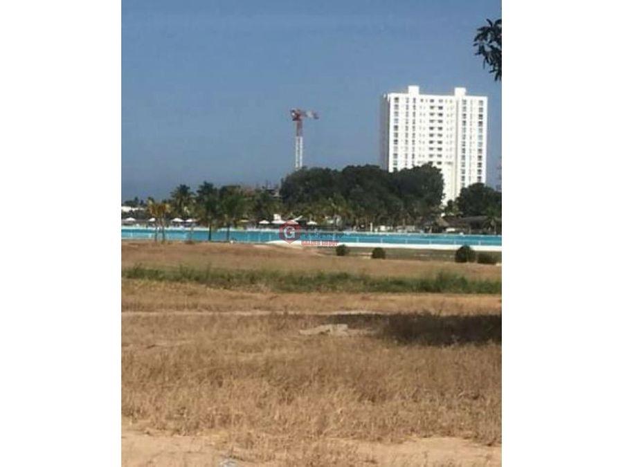 vendo terreno en playa blanca frente a piscina