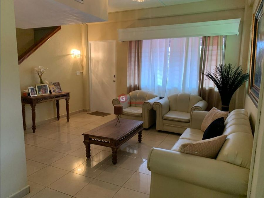 colon cristobal el espinar 5 habitaciones negociable 320 m2