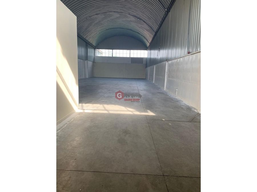 galera en villa zaita 340 m2 1800 ofideposito