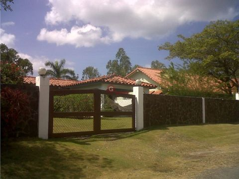 coronado club del golf con piscina 1134m2 contruccion