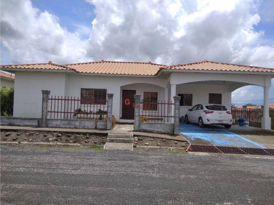 casa en venta penonome paseo del rio 420 m2