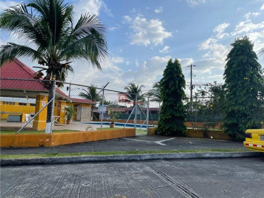 se vende casa san antonio rufina alfaro 3 habitaciones 218 m2