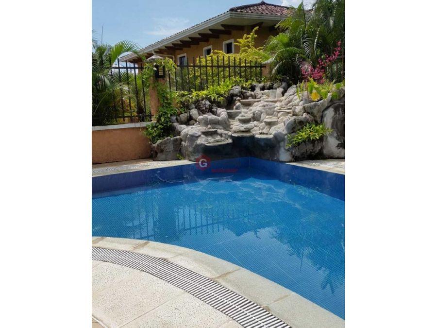 casa con piscina en clayton village 4 hab 35 bans