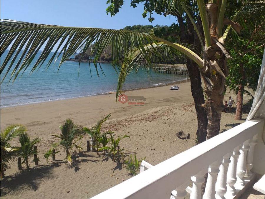 casa beachfront en pixvae veraguas 450m2 15 metros de playa