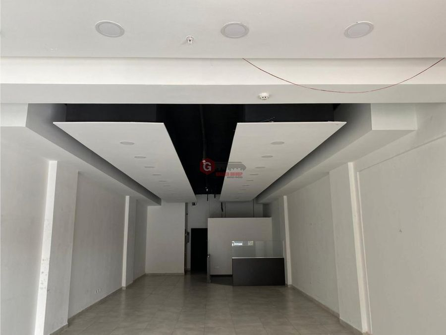 local centennial plaza planta baja 1555 m2