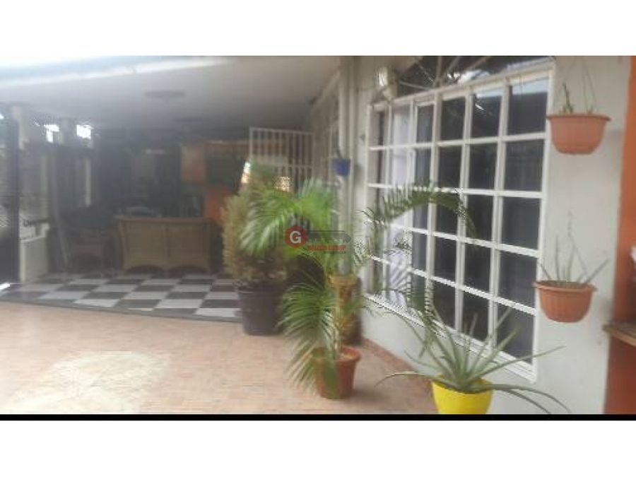 casa de esquina en venta rio abajo 2 habitaciones 295 m2
