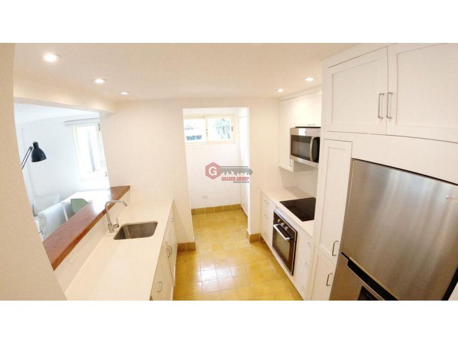 apartamento con rooftop casco viejo 2 recamaras 187 m2