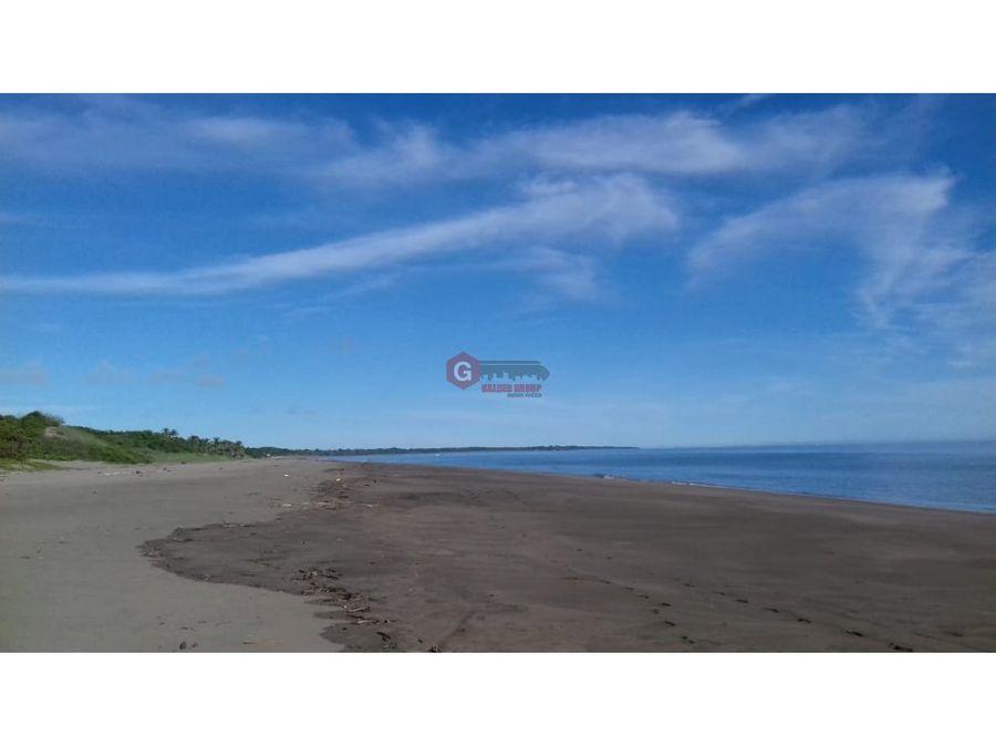 se vende terreno pedasi frente de playa 1460000 m2