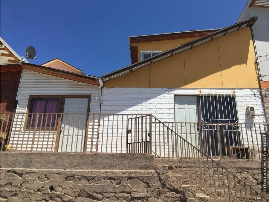 casa illapel tres dormitorios dos banos patio