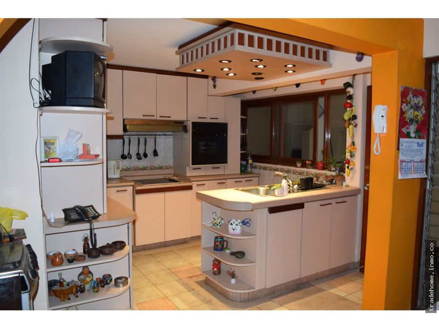 casa a la venta en san borja urb jacaranda