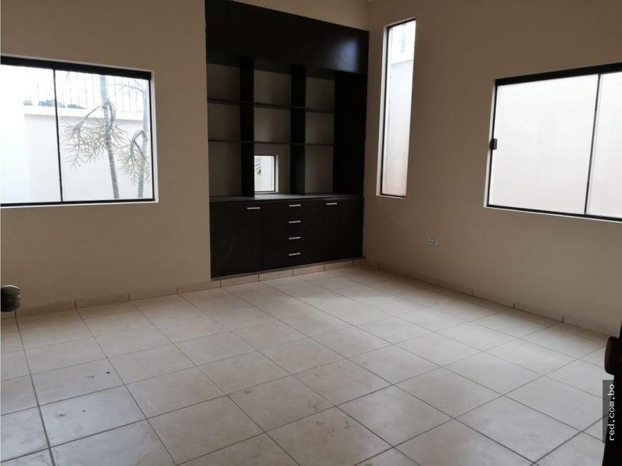 amplia casa en venta