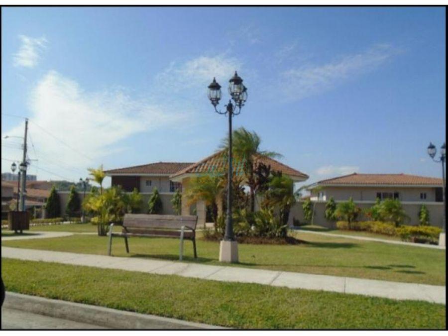 venta de casa en brisas del golf ollu2812