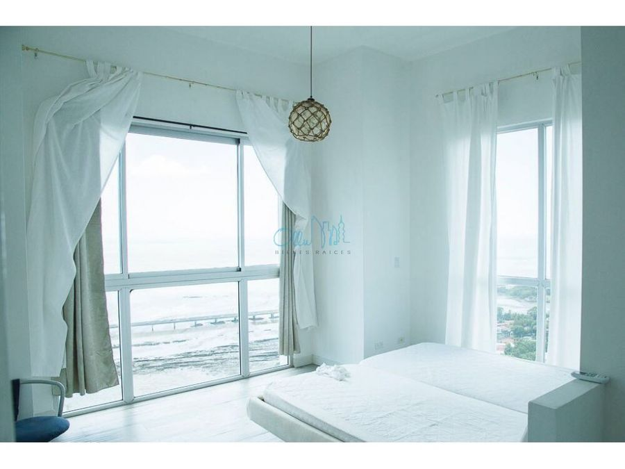 alquiler de apartamento en coco del mar ph icon tower