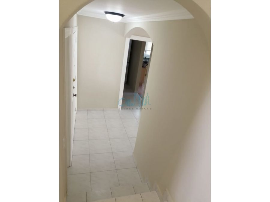 alquiler de casa en albrook ollu3055