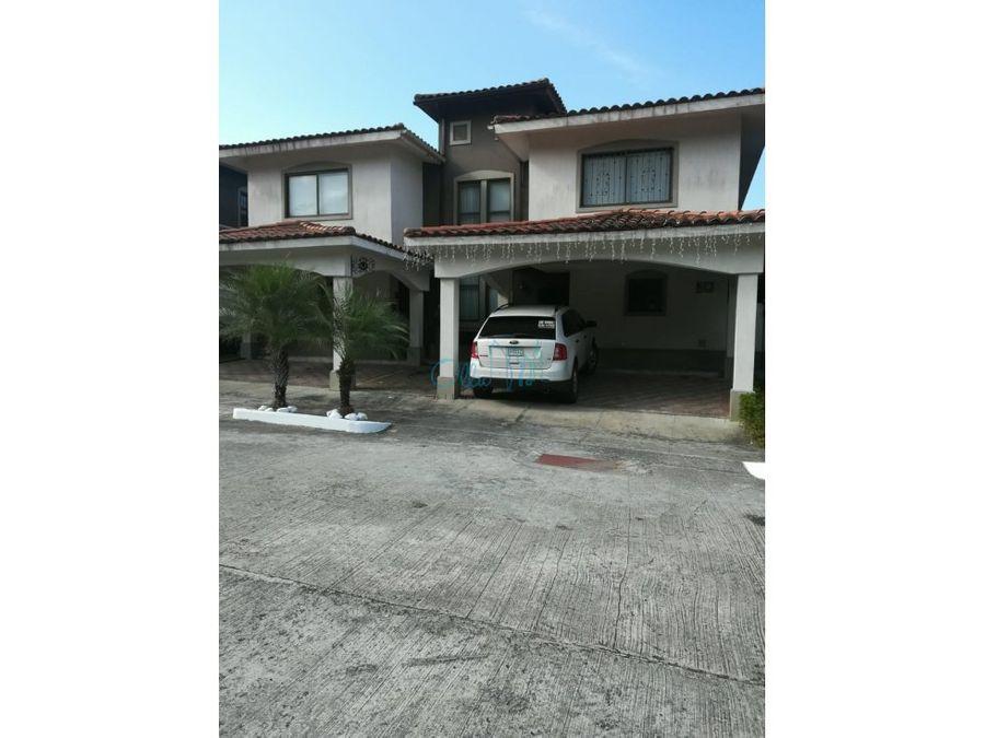 venta de casa de dos pisos en milla 8 en green village ollu3264