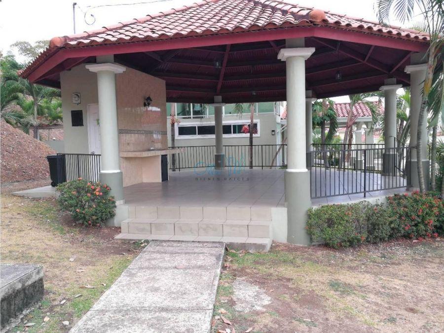 venta de casa en villa lucre villa de los azores ollu1461