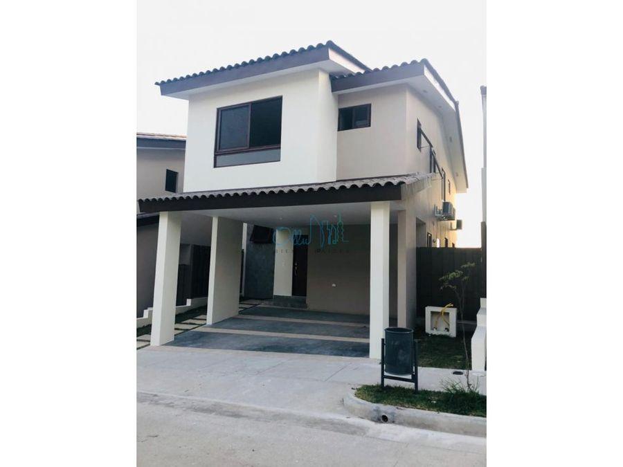 venta de casa en brisas del golf ollu2289v