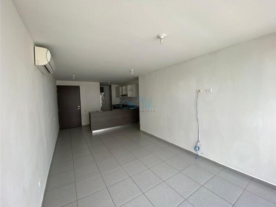 alquiler de apartamento en tumba muerto ollu2793