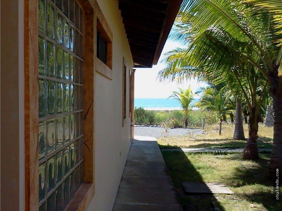 casa en venta en playa la barqueta