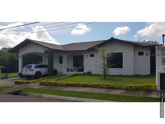 casa en venta en residencial las colinas