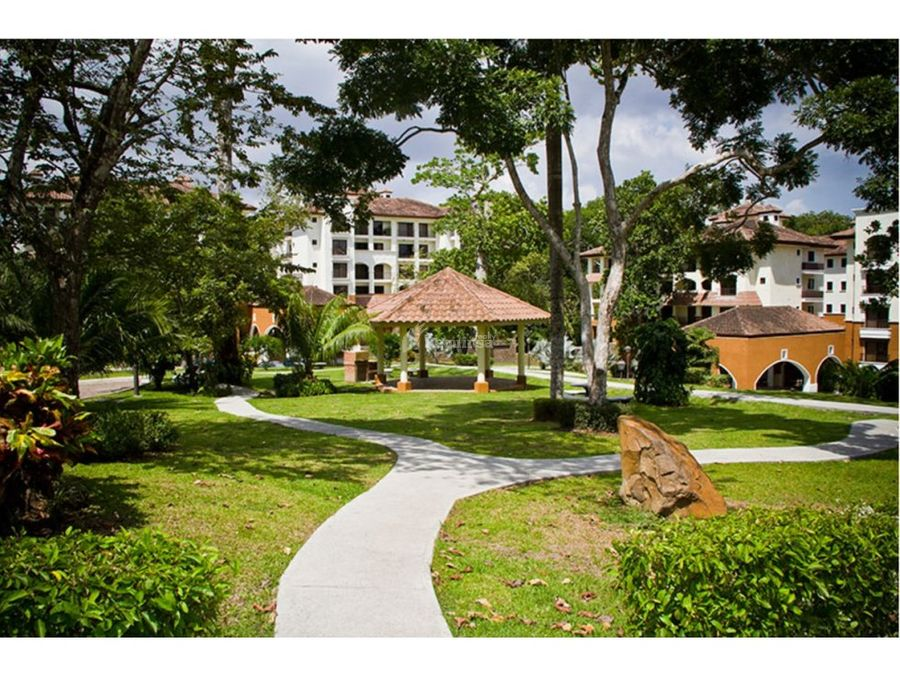 ph embassy club courtyard 1