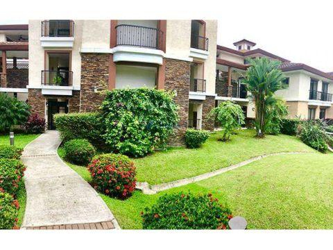 embassy club apartamento con jardin