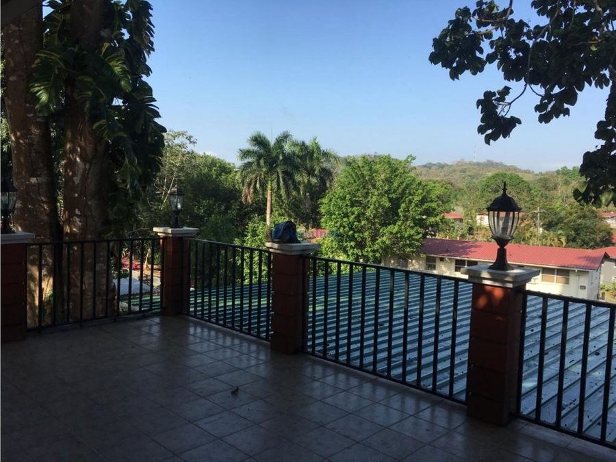 se vende apartamento sector la papaya clayton
