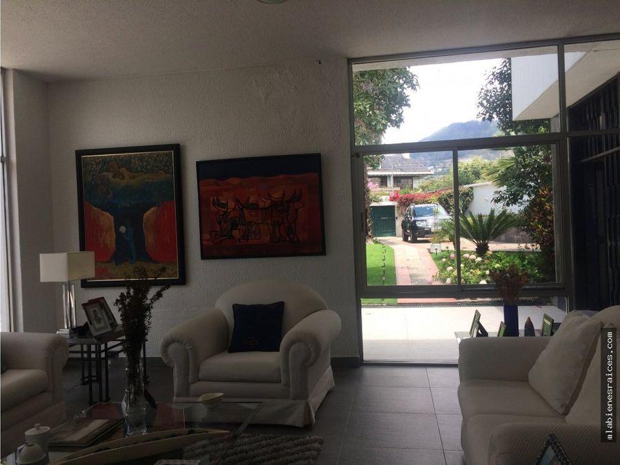 vendo casa lujo cumbaya 5 dormitorios