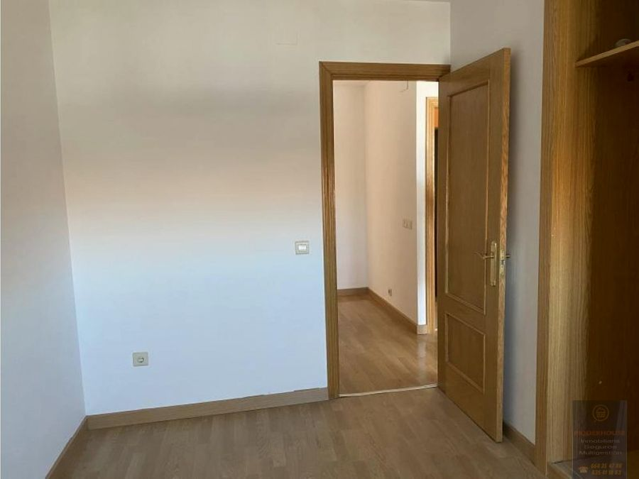 piso en fuensalida con gran terraza solarium