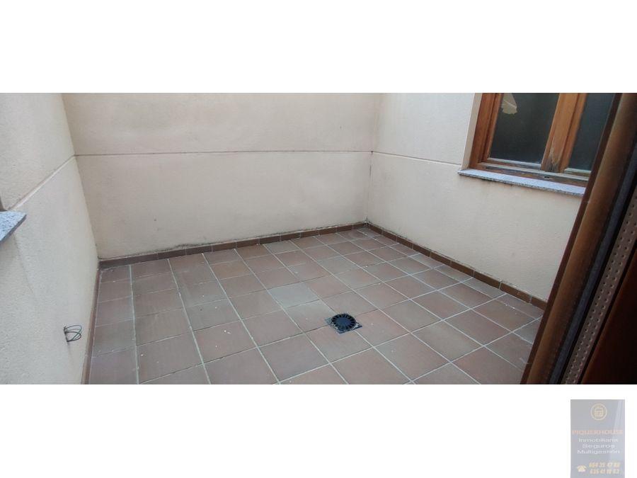 piso bajo con patio en casarubios