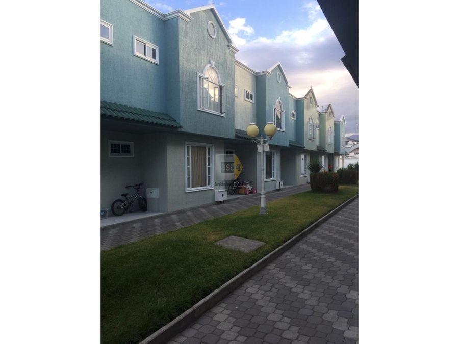 vendo casa en calderon barrio vilcabamba